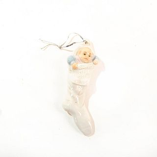 Baby's First Christmas 1991 1991/1991 1005839 - Lladro Porcelain Figure
