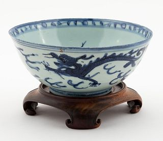 CHINESE BLUE AND WHITE PORCELAIN BOWL ON STAND