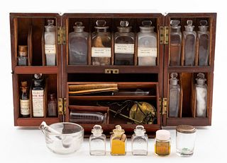 19TH C. PORTABLE APOTHECARY CHEST, MAHOGANY