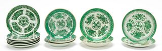 13 PCS CHINESE EXPORT GREEN FITZHUGH, SMALL PLATES