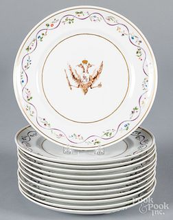 Twelve Chinese export style Mottahedeh plates