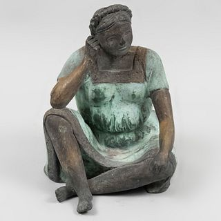 Anónimo. Mujer serena. Siglo XX. Fundición en bronce patinado. 24 cm de altura