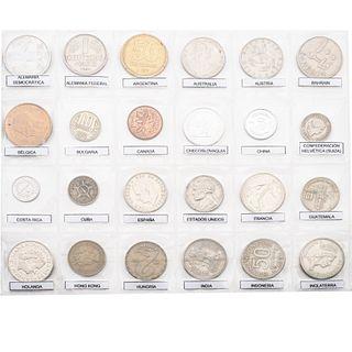 Colección de numismática. Siglo XX. Consta de monedas de 50 países: Alemania Federal, Bahrain, Confederación Helvética (Suiza),...