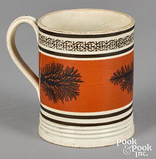 Small mocha mug, with seaweed decoration