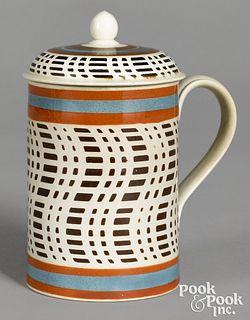 Rare lidded mocha mug, with brown checkered desig