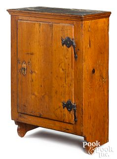Hard pine hanging cupboard, late 18th c.