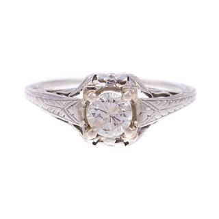An Art Deco Diamond Ring in 18K White Gold