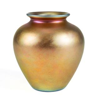 Quezal Iridescent Art Glass Vase