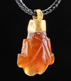Roman Gold and Carnelian Frog Pendant