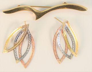 Two Piece Lot to include 18 karat brooch and pair 18 karat gold earrings brooch 3.7 grams, earrings 2.2 grams