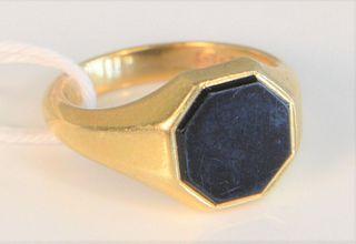 18 Karat Gold and Black Onyx Ring size 8 1/4, 9 grams