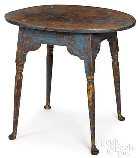 New England painted pine splay leg table