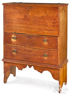 New England Queen Anne pine mule chest