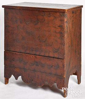 New York or New England painted pine mule chest