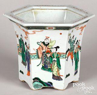 Chinese export porcelain famille verte planter