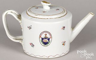 Chinese export porcelain teapot, early 19th c.