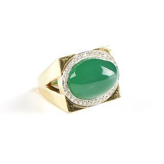 A DAVID WEBB 18K YELLOW GOLD, PLATINUM, DIAMOND, AND CHRYSOPRASE RING, AMERICAN, 20TH CENTURY,