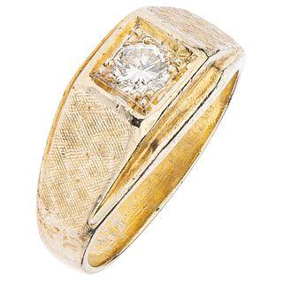 DIAMOND RING IN 14K YELLOW GOLD  Weight: 8.7 g. Size: 8 ¾   1 Brilliant cut diamond ~0.40 ct Clarity:...