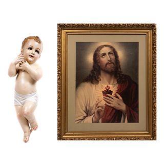 Lote de 2 piezas. Consta de: ANÓNIMO. Sagrado corazón. Impresión. Enmarcada y Niño dios. Siglo XX. Elaborado en yeso moldeado.