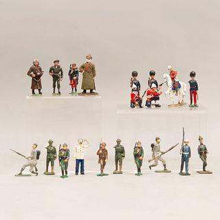 Lote de soldados de asalto del Ejército Rojo, Iósif Stalin y soldados ingleses. España, otros. SXX. Fundiciones en plomo. Piezas: 20