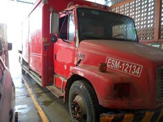 Camión Freightliner FL70 2001