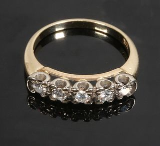 LADIES 5 STONE DIAMOND BAND RING
