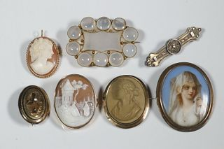 (7) VICTORIAN BROOCHES