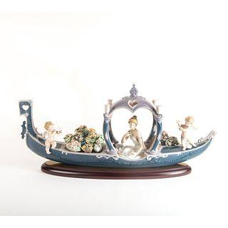 Gondola Of Love 01001870 - Lladro Porcelain Figure