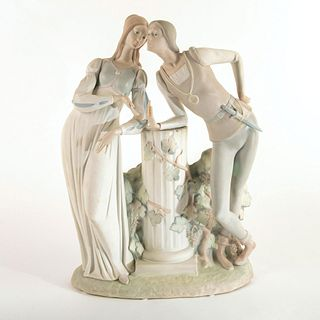 Romeo and Juliet 1014750 - Lladro Porcelain Figure