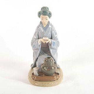 August Moon 1005122 - Lladro Porcelain Figure