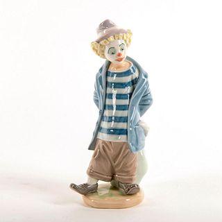 Little Traveler 1007602 - Lladro Porcelain Figure