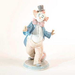 For A Smile 1006937 - Lladro Porcelain Figure