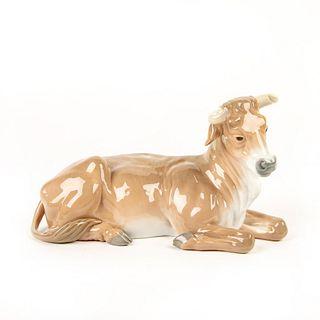 Calf 01001390 - Lladro Porcelain Figure