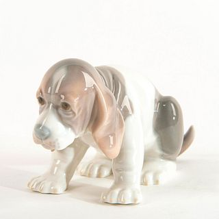 Beagle Puppy Sitting 1001071 - Lladro Porcelain Figure
