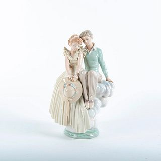 Young Love 01001409 - Lladro Porcelain Figure
