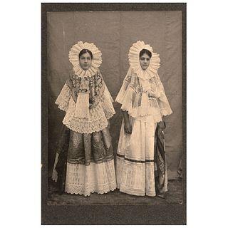 "UNIDENTIFIED PHOTOGRAPHER, Tehuanas, Unsigned, Cabinet, albumen on cardboard, 6.4 x 4.3"" (16.5 x 11 cm)"