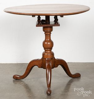 Pennsylvania Queen Anne walnut tea table, 18th c.