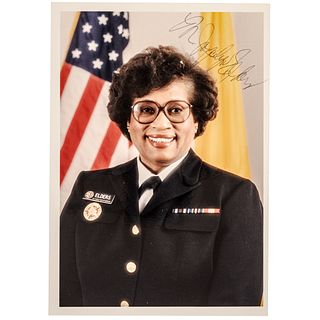 MINNIE JOYCELYN ELDERS Sogned Photograph as U.S. Surgeon General