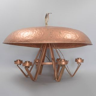 Lámpara de techo. SXX. Elaborado en cobre martillado y aplicación de madera. Para 6 luces. Con pantalla circular y solera. 45 x 79 cm Ø