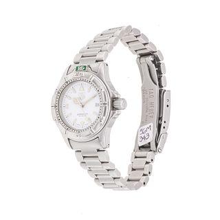 Reloj Tag Heuer Professional. Movimiento de cuarzo. Caja circular en acero de 23 mm. Carátula color blanco con índices de barr...