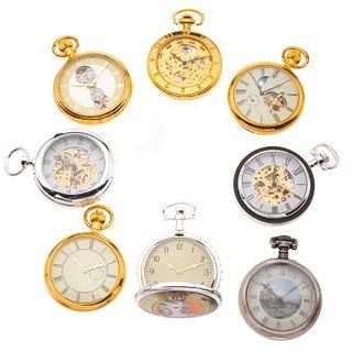 Colección de relojes de bolsillo (8 relojes) en estuche de madera y cristal para exhibición. Movimiento manual. Cajas con acabad...