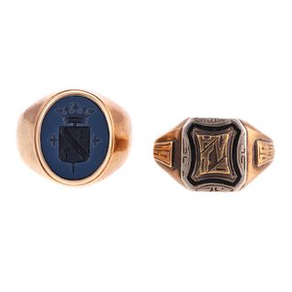 A 1926 Class Ring & Crest Ring in Gold