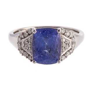 A 14K Ring Featuring A Tanzanite with Appraisal