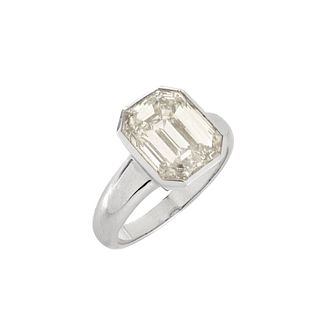 5.08ct Diamond and 18K Engagement Ring