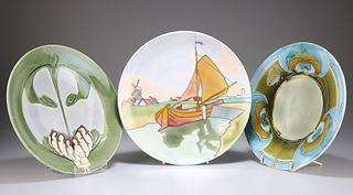 TWO MINTON SECESSIONIST PLATES, circular, each tubelined an