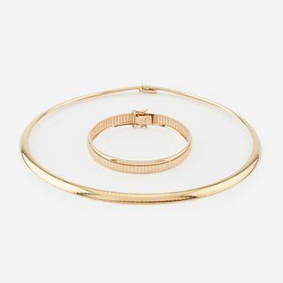 A fourteen karat gold necklace and bracelet, Italy