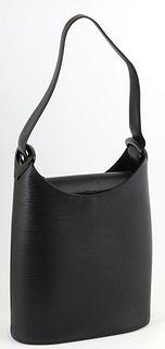 Louis Vuitton Black Epi Verseau Shoulder Bag, the black plastic accents with black calf leather strap, the magnetic calf leather flap with magnet open