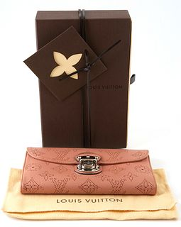 Louis Vuitton Old Rose Amelia Wallet, the calf leather monogram mahina with silver brass accent push lock buckle, opening to two card holders, three b