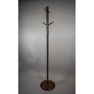 Industrias Ruiz Galindo. Perchero en madera de caoba / Mahogany floor coat rack