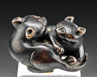Japanese Meiji Brass Netsuke - 2 Felines Intertwined